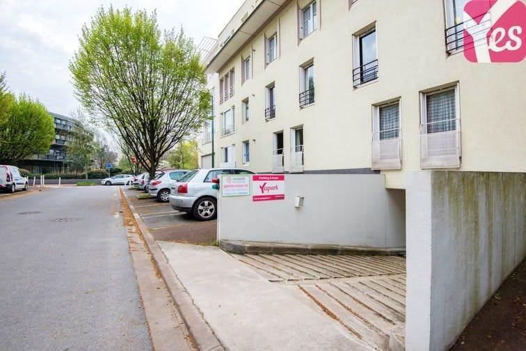location parking 92130