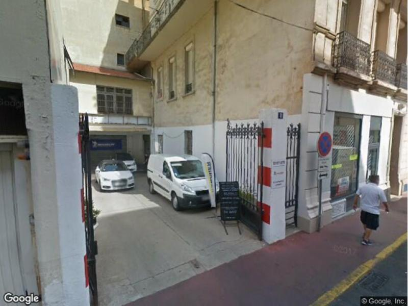 location parking cannes carnot