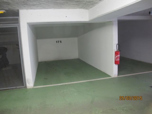 location parking ferme