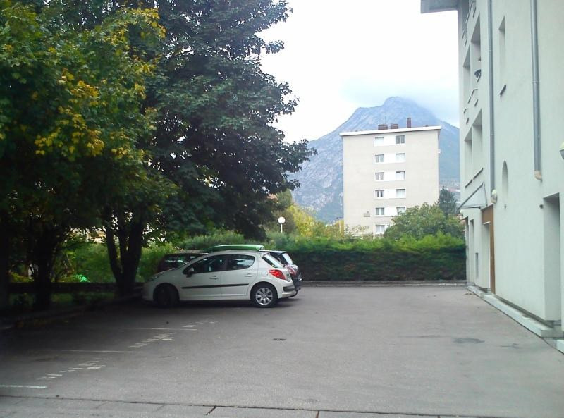 location parking grenoble