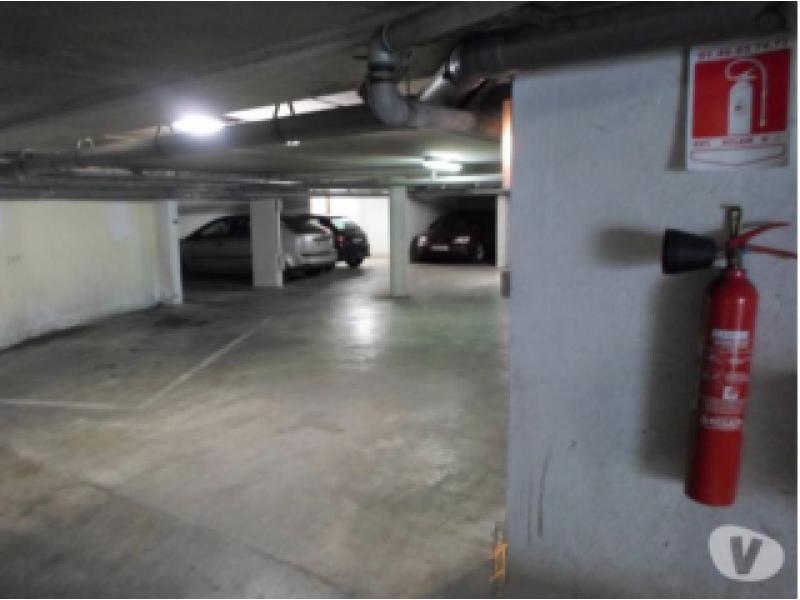 location parking montereau fault yonne