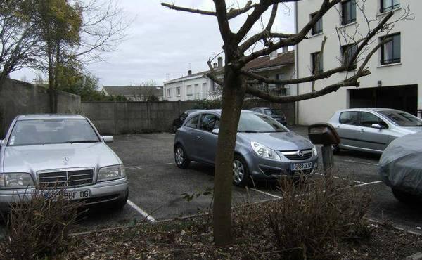 location parking talence