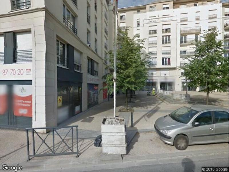 location parking thiais