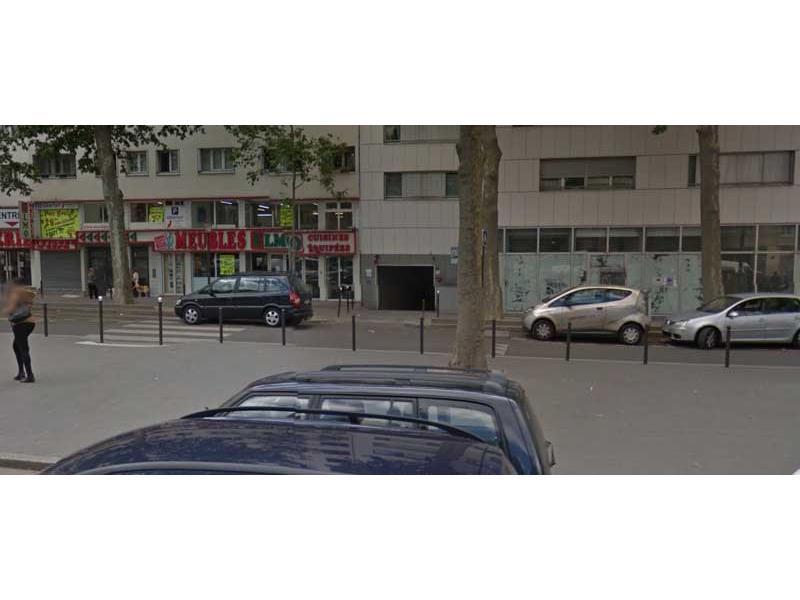 place parking 75018