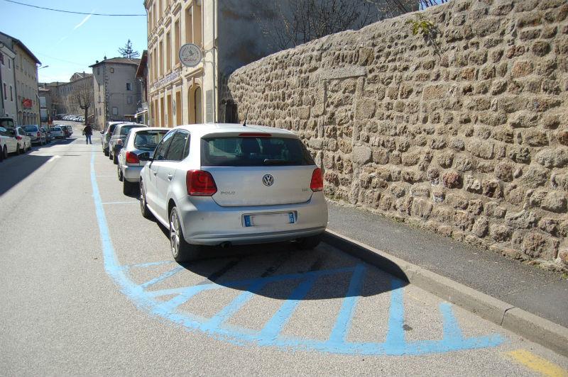 place parking bleu