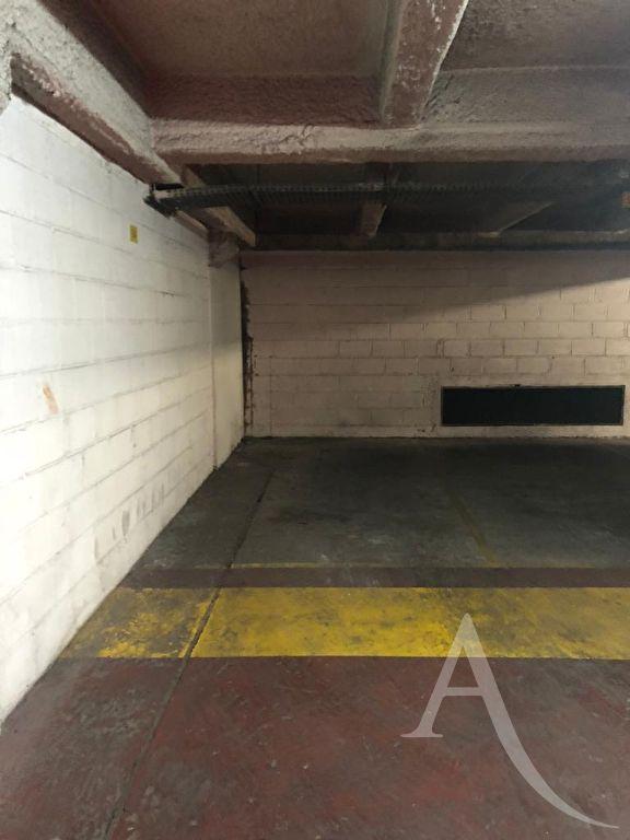 vente parking 75011